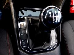 Volkswagen-Golf Sportsvan-25