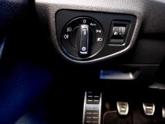 Volkswagen-Golf Sportsvan-21